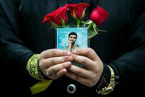 کافهنشینی تکاور مدافع حرم با خانم نویسنده! + عکس