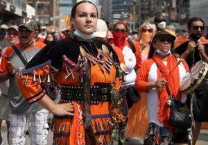 سایه سیاه گورهای کودکان بومی بر روز ملی کانادا+تصاویر