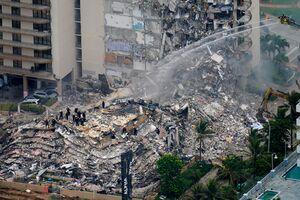 آنچه باید درباره فروریختن برج مسکونی در میامی آمریکا بدانید/ «یاد ۱۱ سپتامبر افتادیم» + عکس و فیلم