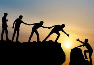 چگونه گروه دوستان بر سبک زندگی ما اثر میگذارند؟