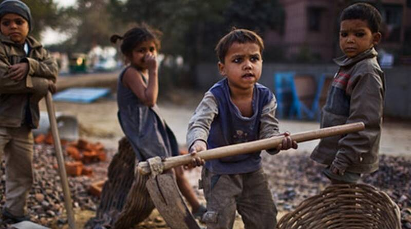 شهروندان کودکان کار را به اورژانس اجتماعی تحویل دهند
