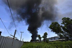 انفجار و آتش سوزی در کارخانه صنایع شیمیایی بانکوک