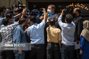 عکس/ دوره شدن جهانگیری توسط خبرنگاران