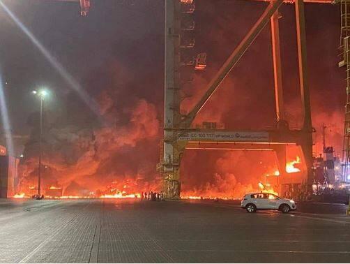 وقوع انفجار مهیب در بندر «جبل علی» در دبی +عکس و فیلم