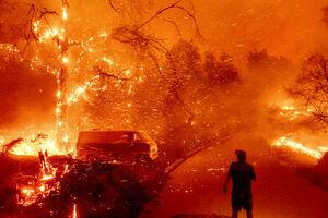 فیلم/ گردباد آتش در کالیفرنیا