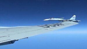 جنگنده روسی، هواپیمای شناسایی آمریکا را در دریای سیاه رهگیری کرد