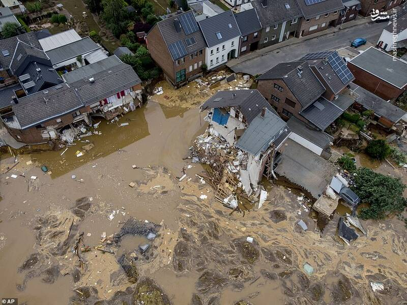 تخریب منازل به دلیل سیلاب در آلمان