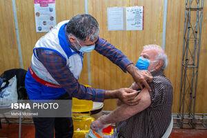 عکس/ واکسیناسیون افراد ۶۰ سال به بالا در قزوین
