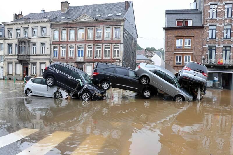 سیل در بلژیک خسارت زیادی به خودروها وارد کرد