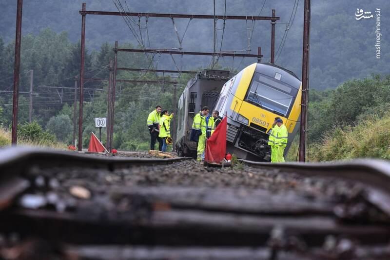 خارج شدن قطار از ریل در بلژیک به دلیل سیل