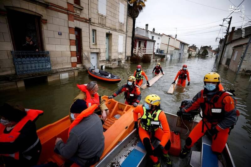 بارش شدید باران و وقوع سیل در سنت فرانسه