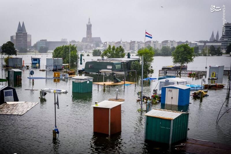 بارش بی سابقه باران و آبگرفتگی خیابان های Roermond هلند