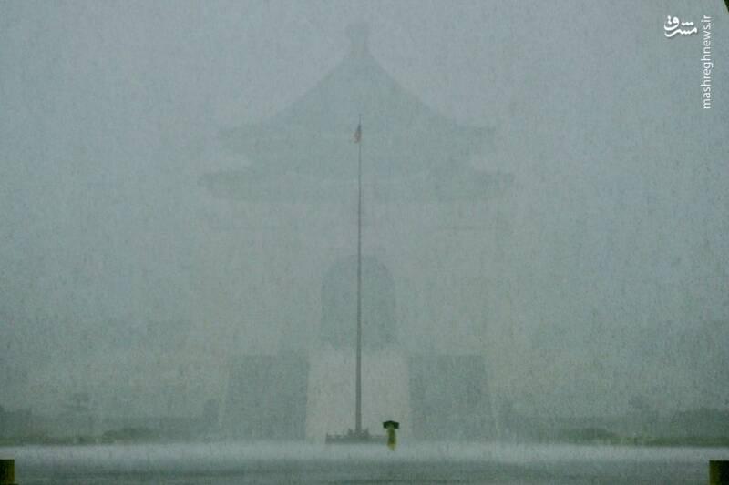 بارش شدید باران براثر طوفان گرمسیری در Taipei تایوان