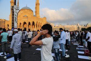 عکس/ برگزاری نماز عید قربان در فضای باز بیروت