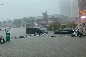 فروپاشی سد در شهر ژنگجوی چین+فیلم