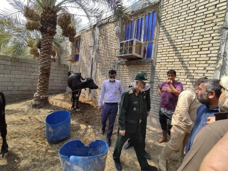 عکس/حضور فرمانده سپاه خوزستان در کنار مردم