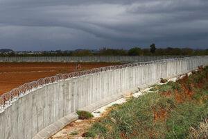 ساخت دیوار مرزی ترکیه با ایران به منظور مقابله با مهاجرت غیرقانونی