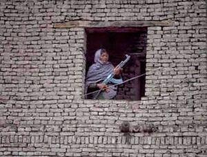 عکس/ چهره زنانه جنگ را دیده بودید؟