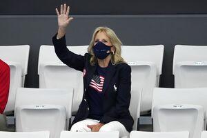 عکس/ همسر بایدن در محل برگزاری مسابقات المپیک