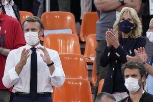 حضور ماکرون و همسر بایدن در استادیوم محل مسابقه بسکتبال