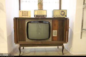 دستور خاتمی برای گزینش خریداران تلویزیون سیاه سفید!