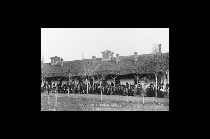 زندگی و فرهنگ از دست رفته؛ تاریخ فراموش شده مدارس شبانه روزی کودکان بومی در آمریکا