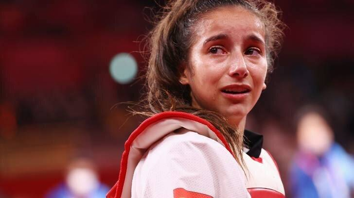 بلایی که دختر ۱۷ ساله سر قهرمان المپیک آورد