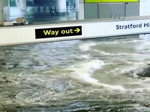 فیلم/ متروی لندن را  آب برد