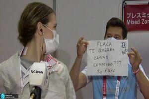 عکس/ خواستگاری مربی از شاگردش در المپیک