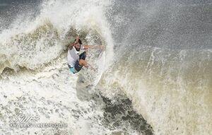 اولین طلای تاریخ موج سواری المپیک با طلسمشکنی برزیل