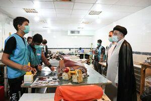 عکس/ بازدید رئیسی از خانه کودکان کار یاسر