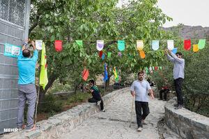 عکس/ حال و هوای عید غدیر در تپه نورالشهدا