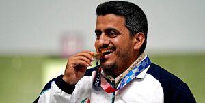 المپیک توکیو  چرا طلاییها مدال خود را در المپیک گاز میگیرند؟
