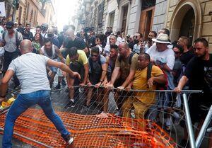 تظاهرات علیه گذرنامههای بهداشتی کرونایی در ایتالیا