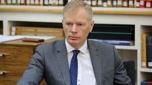 سفیر انگلیس با پایان ماموریتش تهران را ترک میکند