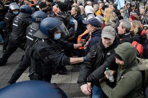 تظاهرات کرونایی در آلمان با دخالت پلیس به خشونت کشیده شد