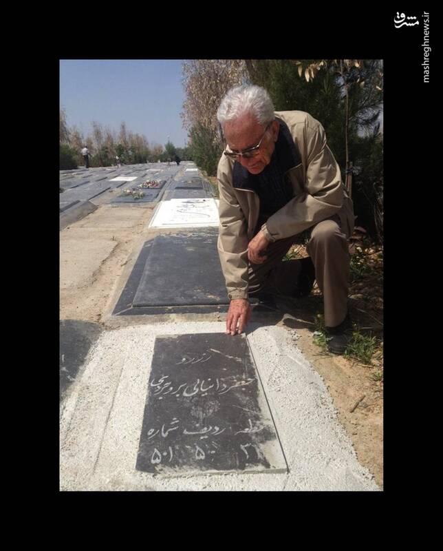 عکاس فرار شاه درگذشت+ عکس