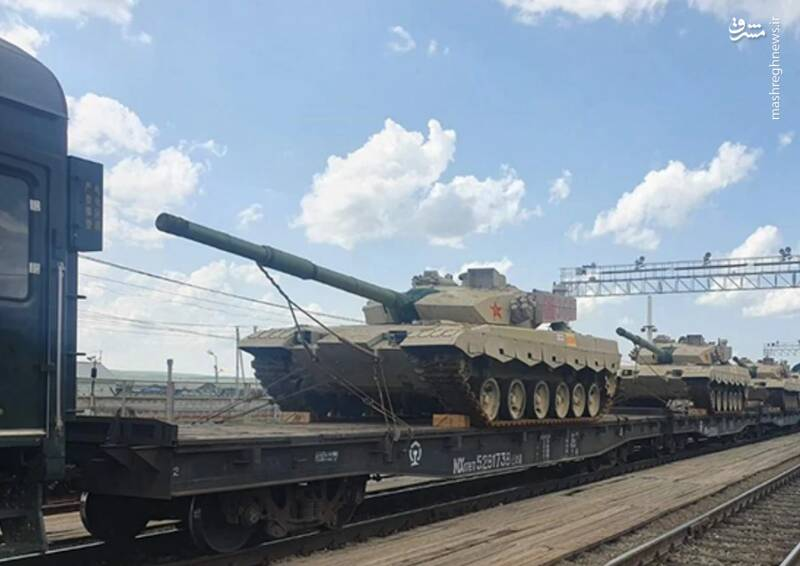 عکس/ ورود تانک های چینی به روسیه