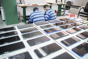 عکس/ دستگیری سارقان تلفن همراه