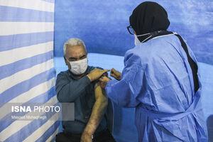 عکس/ واکسیناسیون معلمان و سنین بالای ۵۵ سال در سمنان
