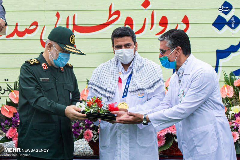 برگزاری مراسم تجلیل از جواد فروغی با حضور سرلشکر سلامی