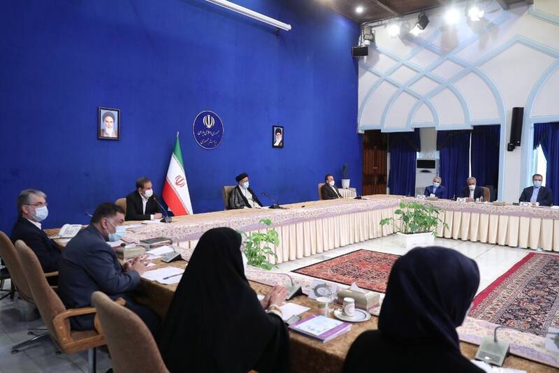 نخستین جلسه هیئت دولت به ریاست رئیسی/ بررسی وضعیت کالاهای اساسی