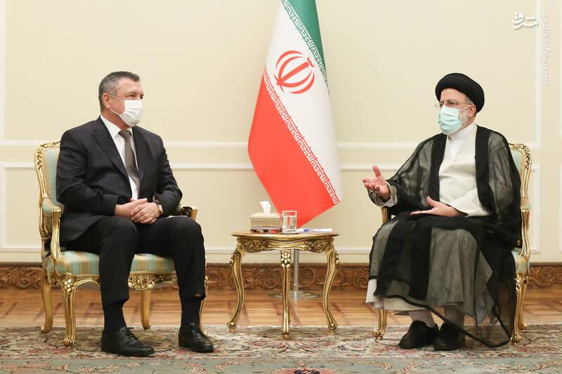 دیدار رییس مجلس ازبکستان با رئیسی