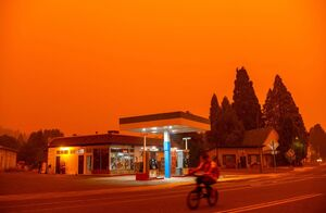 عکس/ کالیفرنیا همچنان در آتش