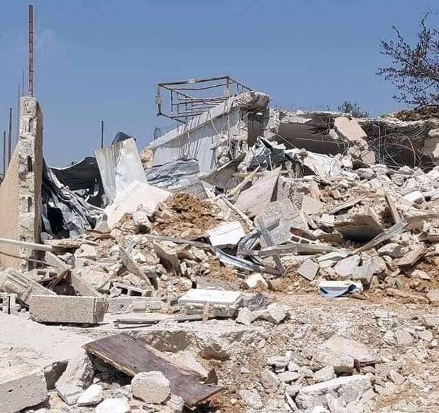 صهیونیستها ۶ فلسطینی را مجبور به تخریب خانه خودشان کردند