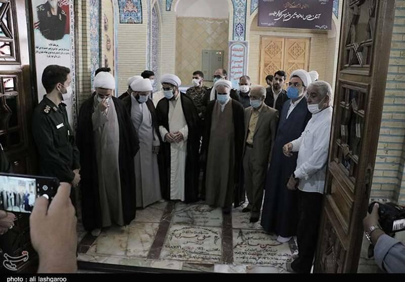عکس/ استقبال بینظیر مردم سمنان از نماینده جدید ولی فقیه در استان