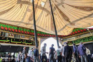 برپایی خیمه عزای حسین (ع) در سمنان