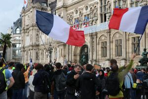 اعتراض به واکسیناسیون اجباری در فرانسه