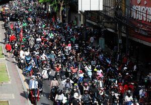 درگیری پلیس با مردم مقابل منزل نخست وزیر تایلند +عکس