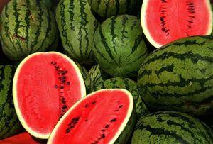 درمان گرمازدگی با ۱۰ خوردنی خنککننده تابستانی